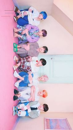BTS # 2019 - # Wallpaper - [board_name] - Hintergrundbild Bts Lockscreen, Bts Group Picture, Bts Group Photos, Foto Bts, Bts Jungkook, Bts Backgrounds, About Bts, Kpop, Bts Korea