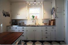 zStanless Steel Counters (4) 1940s Kitchen, Kitchen Redo, Kitchen Ideas, Green Kitchen, Vintage Kitchen, Kitchen Carts, Neutral Kitchen, Kitchen Images, Kitchen Designs
