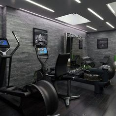 There is no rule that the home gym room is only for athletes. In fact, this gym room at your home can be the sign that you really have a big concern about your health. Best Home Gym Setup, Dream Home Gym, Gym Room At Home, Home Gyms, Home Gym Garage, Tanzstudio Design, Home Gym Design, Floor Design, Gym Interior