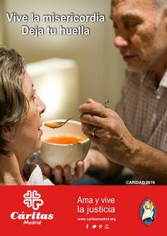 """Cartel Campaña Caridad 2016: """"Vive la misericordia. Deja tu huella""""."""