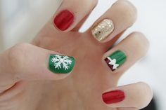 357 Holly Jolly Christmas Nail Art Designs You're Gonna Love! - 357 Holly Jolly Christmas Nail Art Designs You're Gonna Love! Diy Christmas Nails Easy, Xmas Nails, Holiday Nails, Christmas Manicure, Christmas Time, Nagellack Design, Nagellack Trends, Creative Nail Designs, Christmas Nail Art Designs