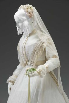 WEDDING ENSEMBLE CIRCA 1845-1855 Unknown English Maker Place object was created: Great Britain, Europe Mint Museum 1850s Fashion, Victorian Fashion, Vintage Fashion, Vintage Gowns, Mode Vintage, Vintage Outfits, Wedding Attire, Wedding Dresses, Retro