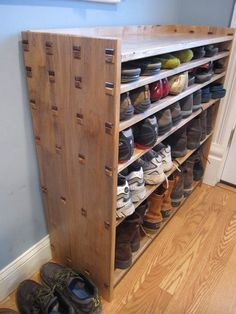 The over door shoe rack is the most spacious solution for efficient shoe storage. These useful racks fit wonderfully at … Homemade Shoe Rack, Homemade Shoes, Diy Shoe Rack, Shoe Racks, Shoe Shelves, Shoe Storage, Pallet Shelves, Teak Furniture, Furniture Decor