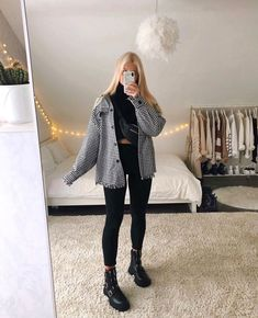 Cute Comfy Outfits, Simple Outfits, Pretty Outfits, Stylish Outfits, Winter Fashion Outfits, Look Fashion, Fall Outfits, Look Skater, Fancy Dress Design