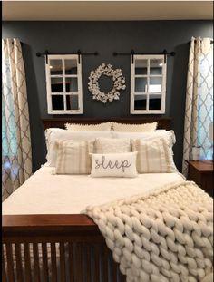 Rustic bedroom ideas, Bedroom Design, Farmhouse decoration ideas for bedroom Rustic Bedroom Design, Farmhouse Bedroom Decor, Rustic Farmhouse, Farmhouse Interior, Farmhouse Style, Dream Bedroom, Home Bedroom, Bedroom Ideas, Decorating Ideas For Bedrooms