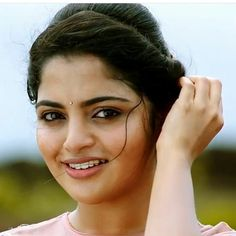 Photograph of Nikhila Vimal PHOTOGRAPH OF NIKHILA VIMAL | IN.PINTEREST.COM ENTERTAINMENT EDUCRATSWEB