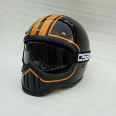 Motorcycle Boots Outfit, Cool Motorcycle Helmets, Tracker Motorcycle, Bobber Motorcycle, Motorcycle Design, Motorcycles, Retro Helmet, Vintage Helmet, Homemade Motorcycle