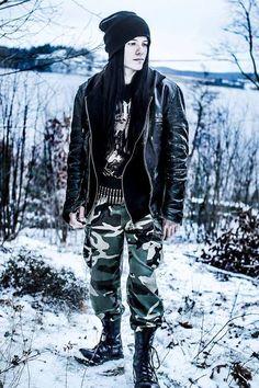 Grunge guy style camo alternative looks