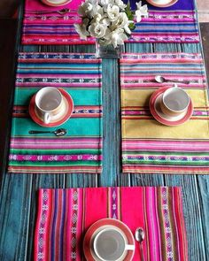 Here are 16 awesome ideas for diy Christmas decorations. Mexican Home Decor, Sewing Projects, Diy Projects, Techniques Couture, Mexican Style, Bohemian Decor, Diy Home Decor, Diy And Crafts, Crafty