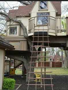 just your average, every day tree house ;  )
