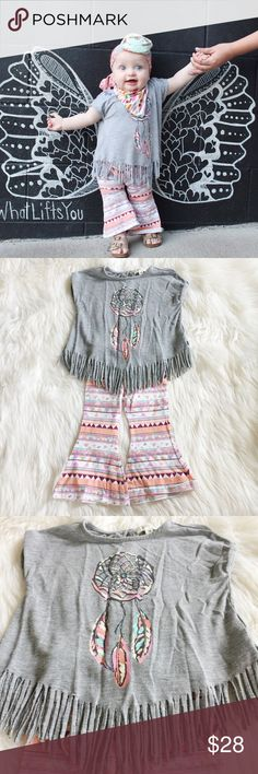 Jessica Simpson Dreamcatcher Outfit Adorable Jessica Simpson Dreamcatcher Fringe Top and Aztec bell bottom leggings perfect for your darling boho mini me! Worn once on a trip to Nashville. Reasonable offers always accepted. Bundle more to save more 🌸✨ Jessica Simpson Matching Sets