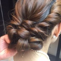 The back is slim too! Although it looks elaborate, it& actually a simple summary . Hairstyles Haircuts, Pretty Hairstyles, Braided Hairstyles, Wedding Hairstyles, Beauty Tips For Hair, Hair Beauty, Ballroom Hair, Hair Arrange, Beautiful Hair Color