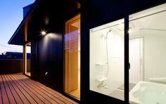 プライベートテラスのある浴室