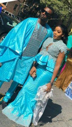 Sagnsé en deux African Lace Styles, African Lace Dresses, Latest African Fashion Dresses, African Print Fashion, African Wear, African Attire, Couples African Outfits, Nigerian Dress, African Fashion Traditional