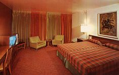 Hotel, Motel, Or Inn? Picking The Right Place To Stay. Many options exist when booking travel accommodations, from shady motels to five star hotels on the strip. Your trip experience depends on whether you are Cheap Motel Rooms, Cheap Motels, Room Interior, Interior Design, Discount Bedroom Furniture, Utah, Vintage Hotels, Vintage Travel, Hotel Motel