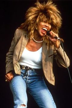 Pop legend Tina Turner has given up her US citizenship to become a citizen of Switzerland, after living in the country for nearly 20 years. Tina Turner Costume, Ike Turner, Rock And Roll History, Women Of Rock, Iconic Photos, Female Singers, American Singers, Strong Women, Music Artists