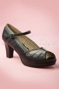 Bettie Page Shoes - 40s Aglais Peeptoe Pumps in Black