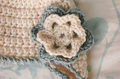Free Pattern, Crochet Loopy Six-Petal Flower