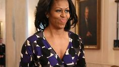PHOTOS: Michelle Obama Tries A New Shoe