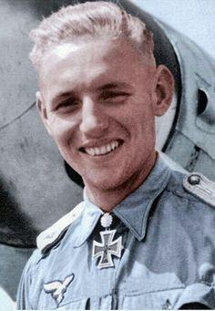 Erich Hartmann: Greatest fighter ace in history Luftwaffe, German Soldiers Ww2, German Army, Erich Hartmann, Aryan Race, Germany Ww2, Flying Ace, Ww2 Pictures, German Uniforms
