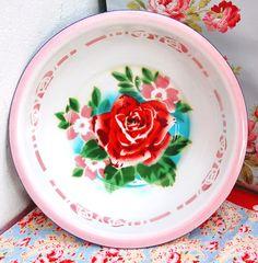 pink enamel platter / shallow bowl - pink, mint, red, retro kitchen colors, vintage floral linens