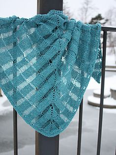 FREE PATTERN ♥ Windlass combines dropped stitches and easy elongated stitches in a top-down triangular shawl. #knitting