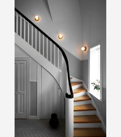 Lighting company Nuura is a shiny newcomer based on several years of work and decades of experience. We had a chat with Creative Director and co-founder Sofie Refer, who says that every great design wants to convey a message. Flur Design, Lamp Design, Stair Walls, Stairs, Nordic Design, Scandinavian Design, Staircase Wall Lighting, Half Painted Walls, Home Luxury