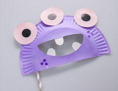 DIY Monster Halloween Mask - Lifestyle Tips & Advice Diy Halloween, Halloween Infantil, Halloween Plates, Halloween Activities, Halloween Masks, Monster Party, Monster Mask, Paper Plate Masks, Paper Plates