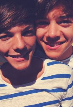 Harry Styles and louis Tomlinson Larry Stylinson - One Direction - Love Louis Y Harry, Louis Tomlinsom, Harry 1d, Larry Stylinson, One Direction Pictures, I Love One Direction, Liam Payne, Larry Shippers, Wattpad