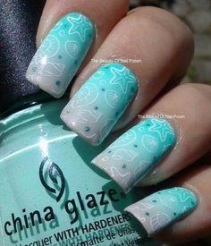 Light turquoise white outlines nail design