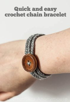 "Easy Crochet Bracelet Tutorial Hi there, I'm San, the voice behind Loopsan and I'm so excited that I'm part of the 2014 Creative Team. I'm madly in love with crochet and my aim will be to get you as excited and ""hooked"" on crochet as I am. To"