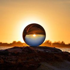 Absolutely dreamlike capture through the lensball Simply mindblowing. Please check out the creator - Glass Photography, Sunset Photography, Creative Photography, Amazing Photography, Reflection Photography, Bubble Pictures, Rainbow Aesthetic, Through The Looking Glass, Glass Ball