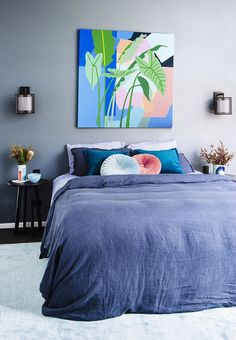 The bright and beautiful work of Gold Coast artist Leah Bartholomew has been used throughout this Gold Coast home. Photography: Natalie McComas. http://www.queenslandhomes.com.au/cedar-suede-beach-house/