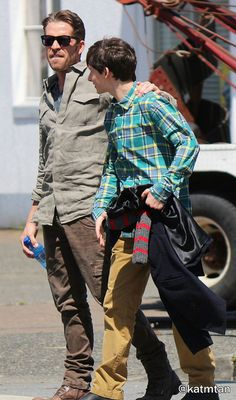 "Jared Gilmore and Sean Maguire - Behind the scenes - 5 * 1 ""Dark Swan"" 17 July 2015"