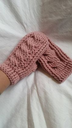 Crochet Mittens, Winter Accessories, Cable, Colours, Awesome, Etsy, Cabo, Crochet Gloves, Electrical Cable