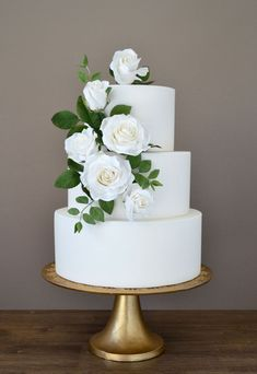 41 Simple Romantic Wedding Cakes You Will Love – Wedding to Amaze cake decorating recipes kuchen kindergeburtstag cakes ideas Floral Wedding Cakes, White Wedding Cakes, Wedding Cakes With Flowers, Elegant Wedding Cakes, Wedding Cake Designs, Wedding Cake Simple, Elegant Cakes, Perfect Wedding, Flower Cakes