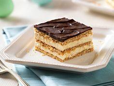 Easy Peanutbutter Chocolate Eclair Dessert