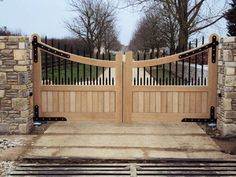 New house entrance driveway garage doors Ideas Front Gates, Entrance Gates, House Entrance, Garden Gates And Fencing, Fence Gate, Fences, Dog Fence, Tor Design, Gate Design