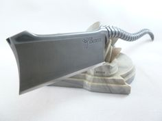 At Boxer Custom Razors we strive to create functional and visually unique straight razors that will become heirlooms in years to come. Straight Blade Razor, Straight Razor Shaving, Custom Straight Razors, Barber Razor, Homemade Weapons, Art Of Manliness, Close Shave, Knife Art, Wet Shaving
