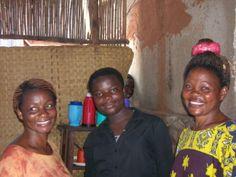 Mujeres sonrientes luchemos porque detrás de cada sonrisa haya felicidad y equilibrio. África. Human Rights, Smile, Happiness, Women