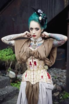 """Yana Sinner modelling the """"Beautiful Plague"""" corset by OrologiSilenziosi Timeless Couture"""
