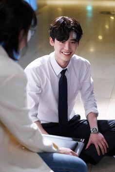 Lee jong suk ❤❤ while you were sleeping drama ^^ Lee Jong Suk Cute, Lee Jung Suk, Asian Actors, Korean Actors, Lee Jong Suk Wallpaper, Kang Chul, Lee Young, Han Hyo Joo, W Two Worlds