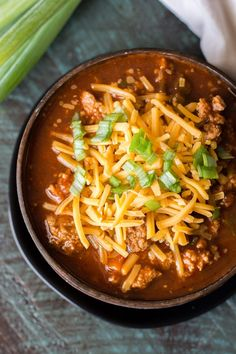Easy Keto Chili (low carb + no bean chili) – Maebells Easy Keto Chili (low carb + no bean chili) – Maebells Keto Chili Recipe, Chili Recipes, Soup Recipes, Diet Recipes, Cooking Recipes, Healthy Recipes, Ketogenic Recipes, Easy Keto Meal Plan, Ketogenic Diet Meal Plan