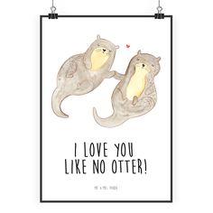 Poster DIN A2 Otter händchenhaltend aus Papier 160 Gramm  weiß - Das Original von Mr. & Mrs. Panda.  Jedes wunderschöne Poster aus dem Hause Mr. & Mrs. Panda ist mit Liebe handgezeichnet und entworfen. Wir liefern es sicher und schnell im Format DIN A2 zu dir nach Hause.    Über unser Motiv Otter händchenhaltend  Die wunderschönen Otter von Mr. & Mrs. Panda sind wirklich etwas ganz Besonderes und natürlich mit besonders viel Liebe handgezeichnet.    Verwendete Materialien  Es handelt sich um…