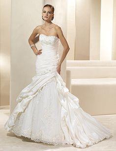 Eddy K wedding gown at The Bridal Shop, Fargo, ND 701.235.0541 www.thebridalshopnd.com