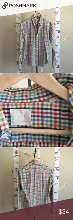 PRICE ⬇️ Band of Outsiders Plaid BF Button Down Great condition Band of Outsiders plaid button down shirt. There is one loose thread near the armpit, pictured in last picture. I think this is technically a men's shirt, but with the dimensions, I think it's more suited to a boyfriend fit women's shirt, as, for example, the chest is too small for my husband (a fairly lanky guy). PIT-TO-PIT: 17 1/2 inches / LENGTH: 28 1/2 inches. Band of Outsiders Size 0. Thanks for looking! Band Of Outsiders…