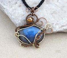 Labradorite pendant/Wire wrapped pendant/Gemstone pendant/Gift for girlfriend/Gift for her/Mother's day gift/ooak/Yoga jewelry/Healing gem by Ianira on Etsy