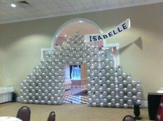 Walk-through Hershey's Kiss - Balloon arch by Lisa Swiger of Blooming Balloons, Raleigh, NC Balloon Display, Balloon Backdrop, Balloon Wall, The Balloon, Balloon Decorations, Balloons, Balloon Ideas, Party Themes, Party Ideas