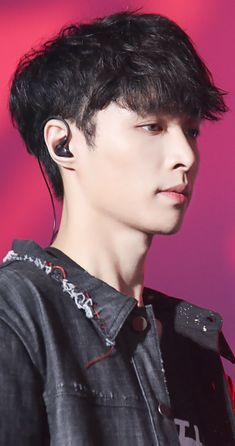 Image uploaded by ᴛ ɪ ғ ғ ᴀ ɴ ʏ ✩ ɪ ᴍ. Find images and videos about boy, kpop and exo on We Heart It - the app to get lost in what you love. Yixing Exo, Chanyeol Baekhyun, Lay Exo, K Pop, Shinee, Exo Korean, Korean Guys, Korean Idols, Kim Minseok