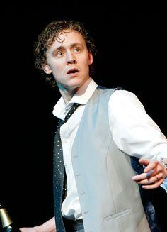 Tom Hiddleston as Alsemero in The Changeling (2006). Full size image: http://maryxglz.tumblr.com/post/163711700627/tom-hiddleston-as-alsemero-in-the-changeling